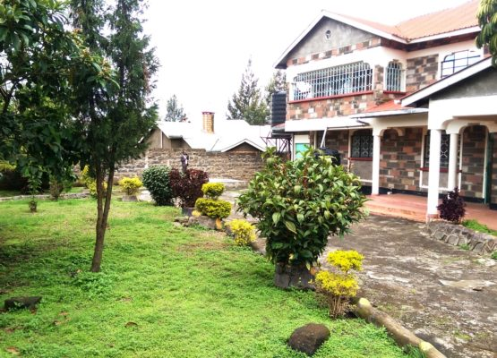4 bedroom mansion for sale in a gated estate,Kiamunyi.