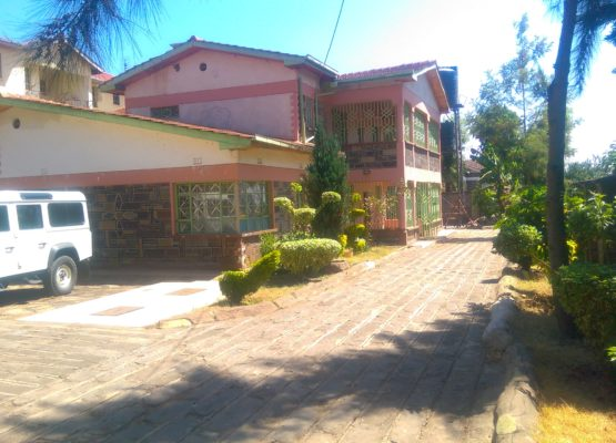 5 bedroom master en suite mansion to Let in Kiamunyi, Nakuru