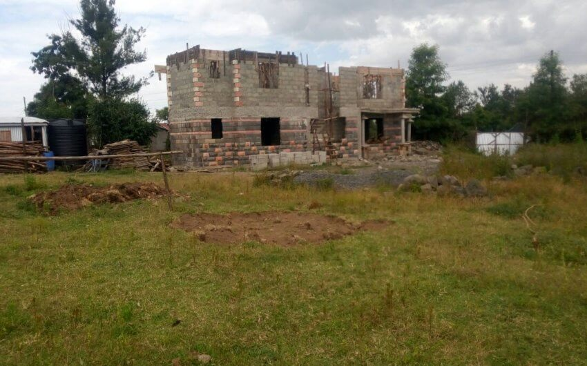 50*100 plot for sale behind cool rivers hotel,Nakuru