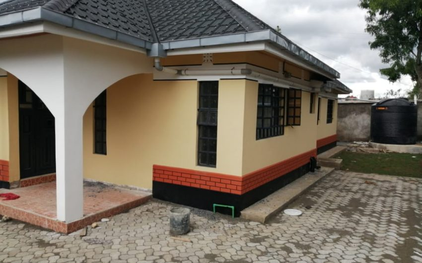 3 bedroom bungalows with SQ in Lanet,Nakuru