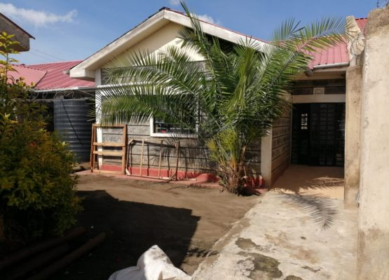 3 bedroom own compound to let in Kiamunyi